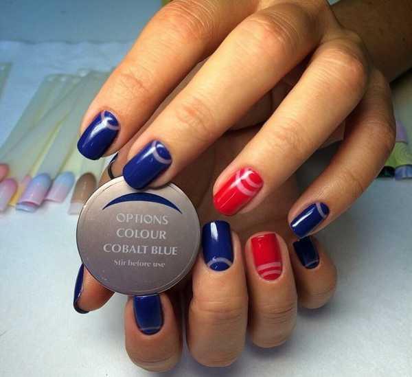 Красно синий дизайн ногтей